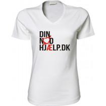 Din Nødhjælp t-shirt fittet model